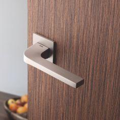I - Puxadores para Portas Interiores